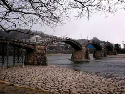 広島錦帯橋横から