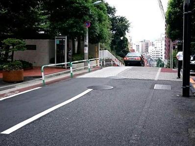 170822江戸川公園目白台21のぞき坂消える車