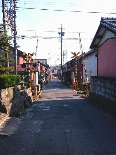 180403伊賀上野街並み踏切